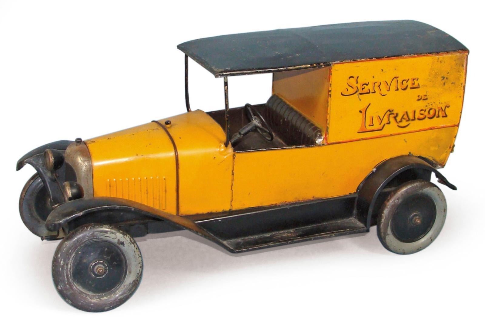 Jouets André Citroën, échelle 1/10. Camionnette de livraison B2 en tôle peinte jaune, toit noir, marquage «Service de livraison», portes