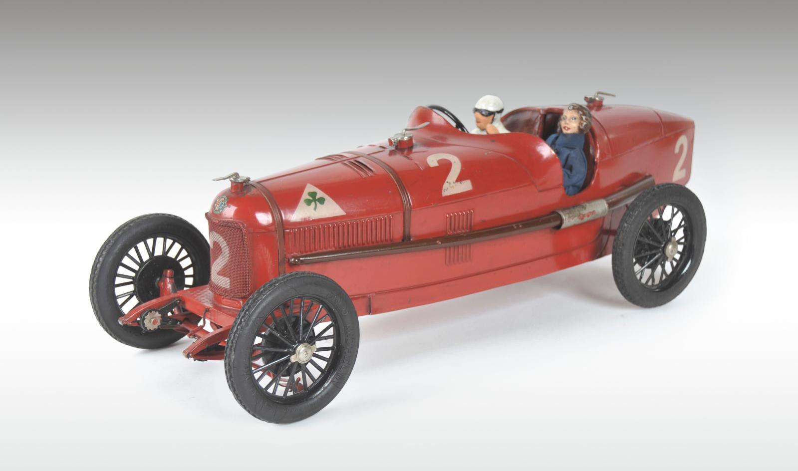 CIJ, vers 1932. Alfa Romeo Grand PrixP2, en tôle laquée rouge clair,puissant moteur à ressort, version dite de luxe avec amortisseur et b