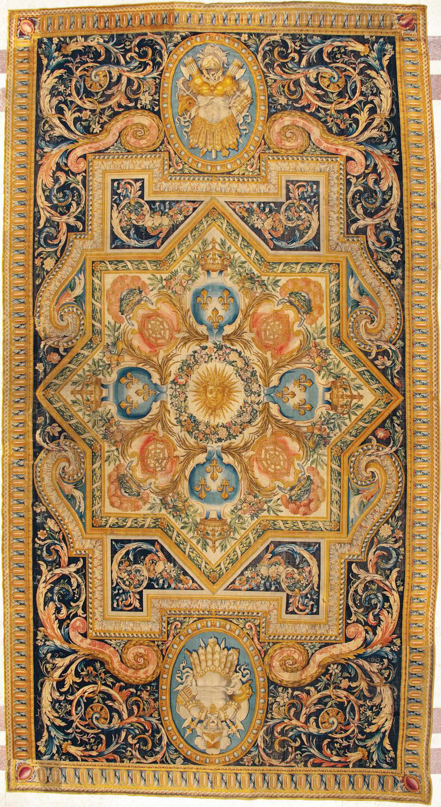 Large Savonnerie carpet made for the Galerie du Bord de l'Eau, 1668-1669, based on a design by Charles Lebrun.© Phlippe Jolivel/ Banque de