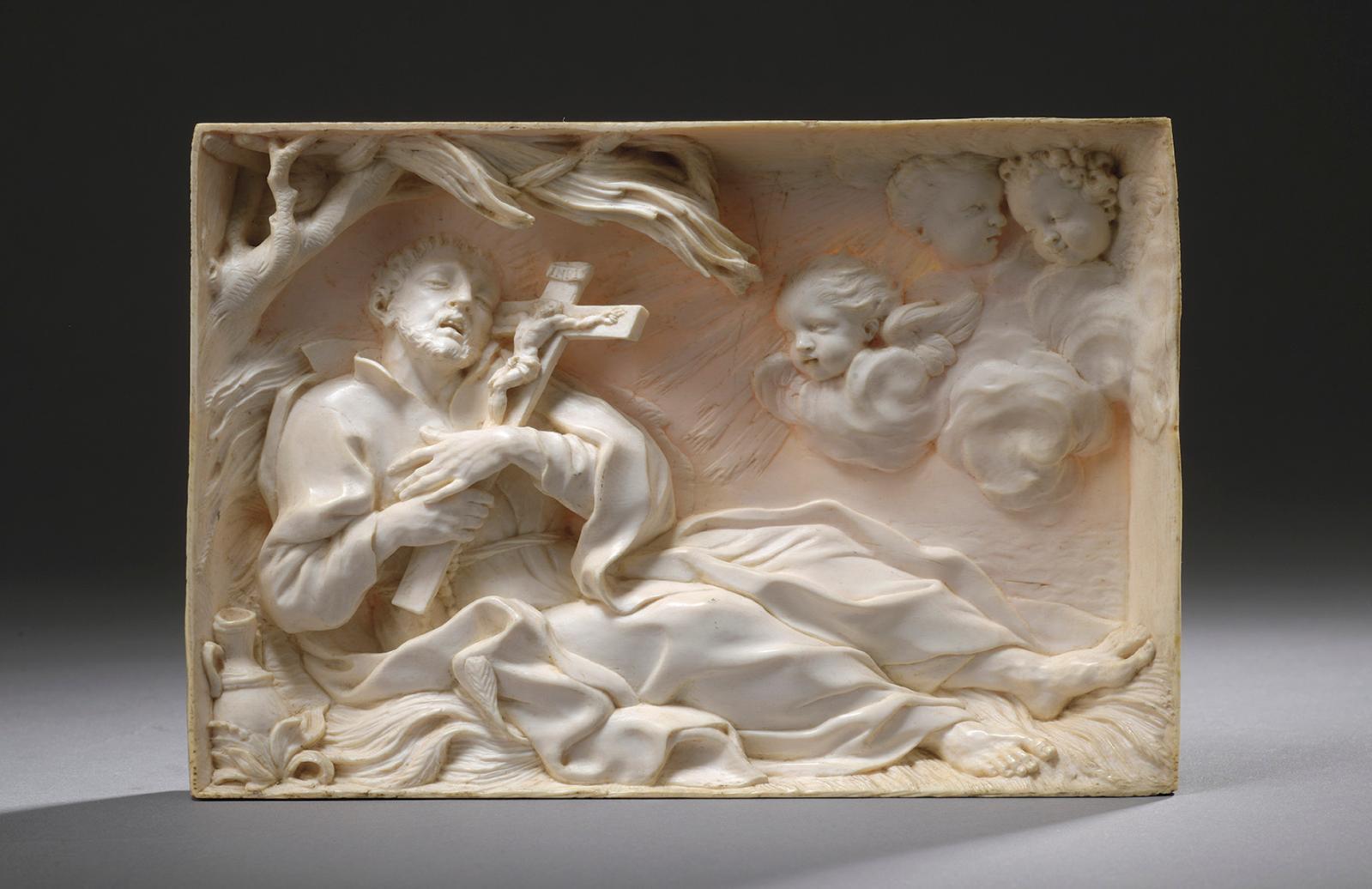 Cette plaque est comme un tableau sculpté dans l'épaisseur d'une tranche d'ivoire (12,4x18,1x1,9cm), et son sujet d'une grande expres
