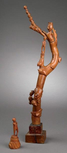 1513€ École française du XXesiècle, LeTotem, sculpture sur bois, h.51cm. Une seconde sculpture du même artiste y est jointe. Drouot,
