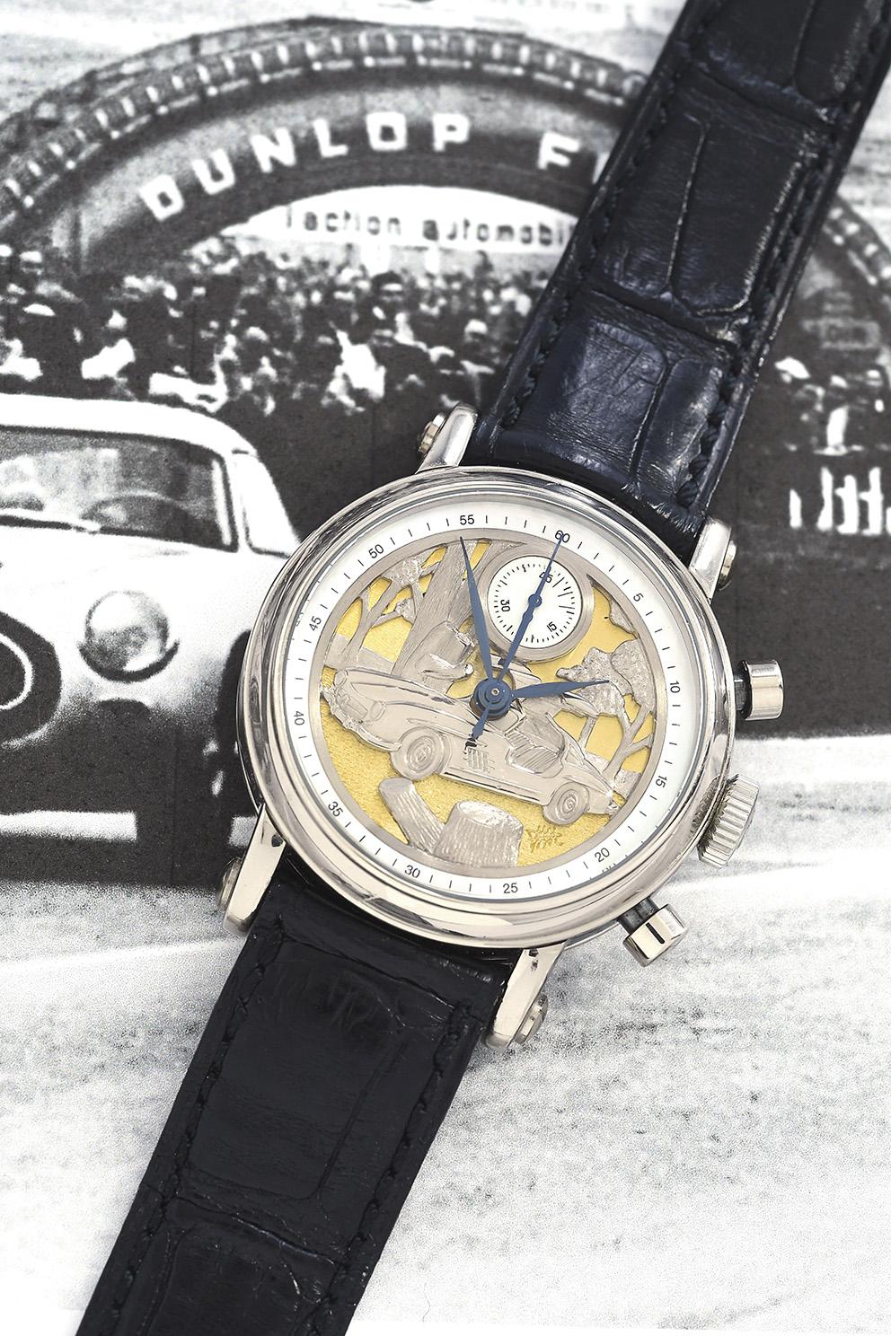 Pour conduire la belle allemande, on mettra à son poignet cette montre Franck Muller, datée vers 2008 mais qui rend hommage au coupé Merce