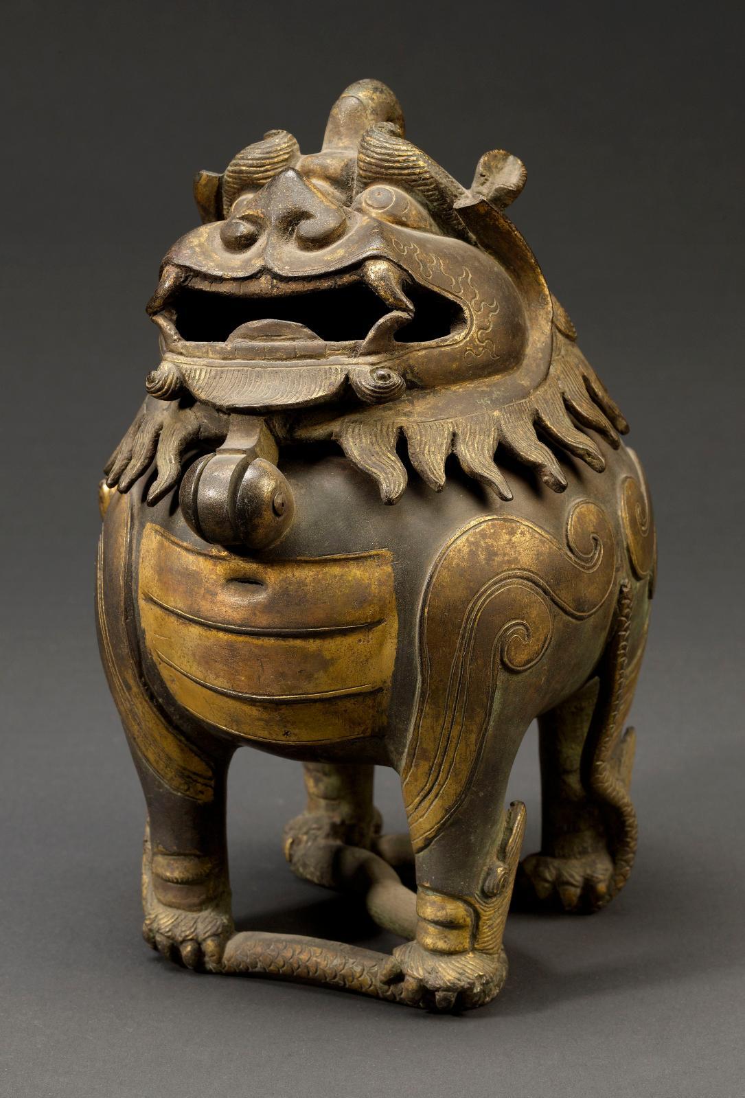 Brûle-parfum zoomorphe, alliage cuivreux, dynastie des Ming (XIVesiècle-XVIIe siècle), musée de Shanghai.
