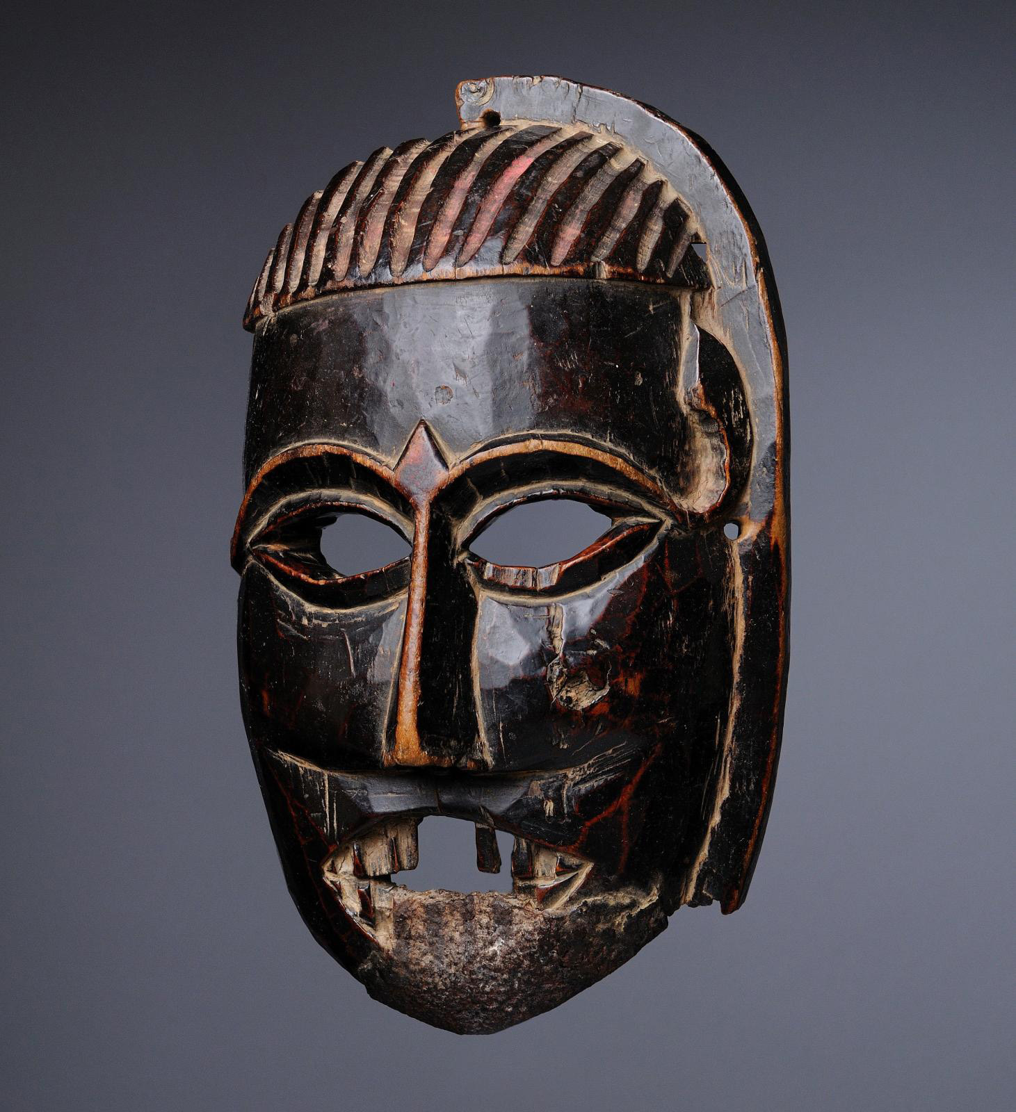 India, Kulu valley, Himachal Pradesh, c. 16th century. Mask used during the Phagli festivities, wood.© Photo Bertrand Holsnyder