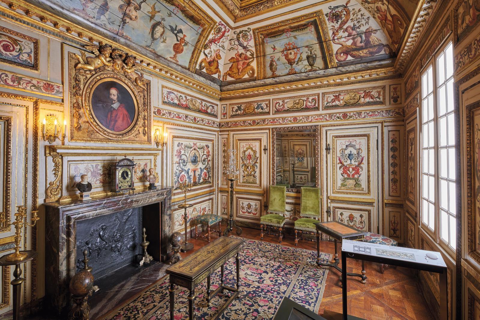 Les boiseries du cabinet de l'hôtel Colbert de Villacerf, acquises par la Ville de Paris en 1867. © Musée Carnavalet - Histoire de Paris ©