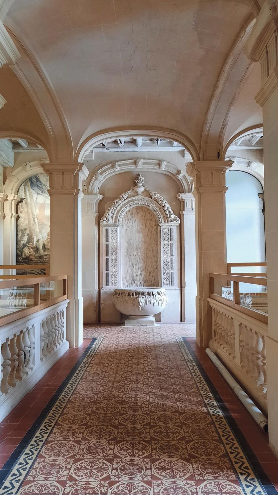 En haut du grand escalier d'honneur,de style Renaissance. © G. M.