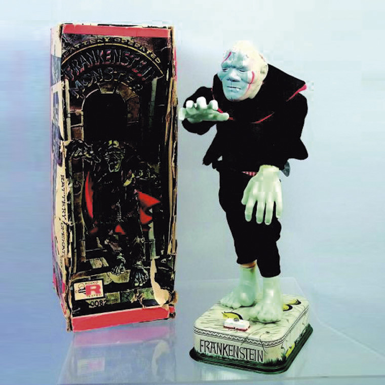 238€ Rosko, Frankenstein Monster, avance en somnambule, perd son pantalon et rougit de honte, métal, caoutchouc et tissu, h.36cm. Hôtel