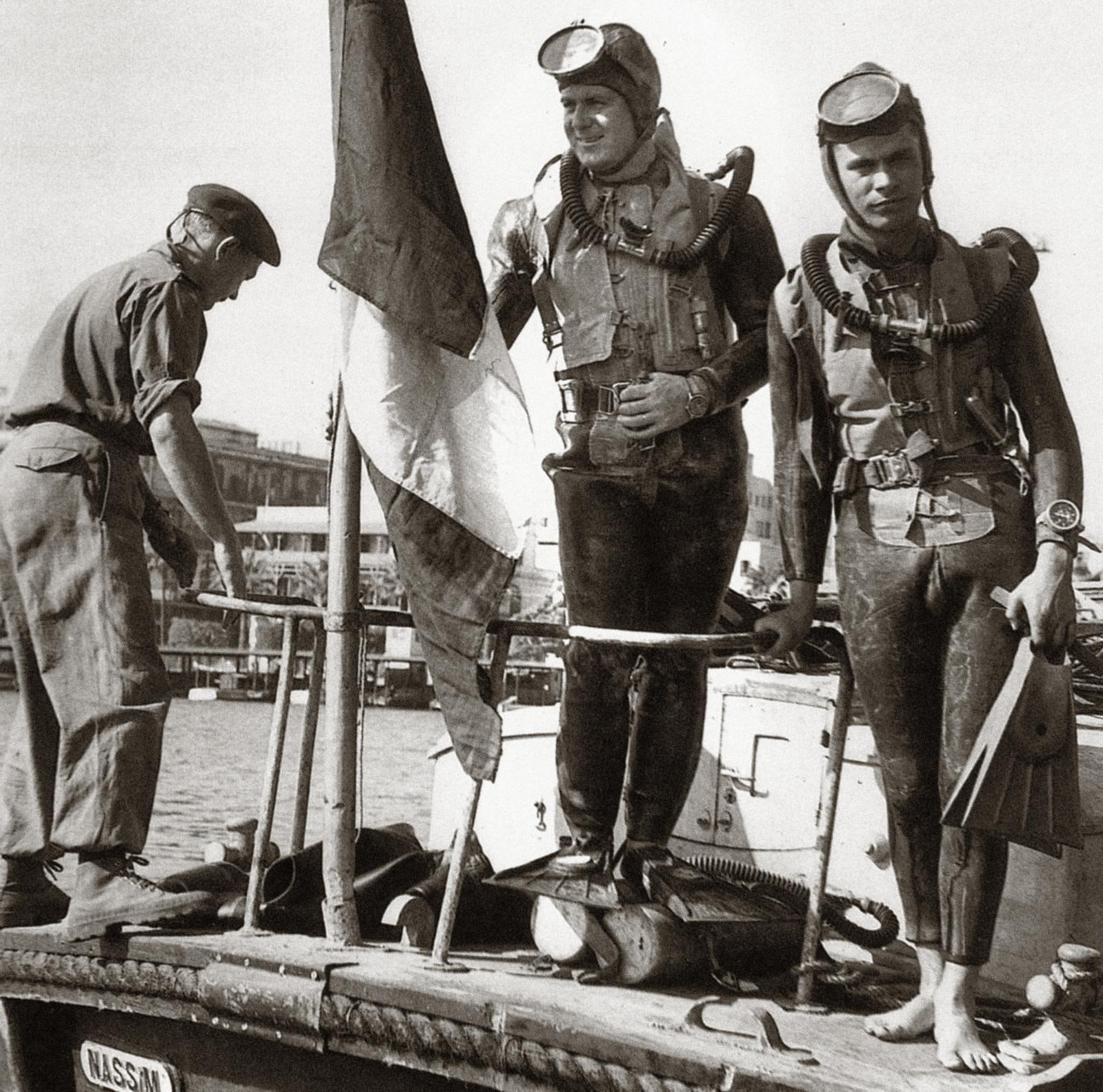 Les membres d'équipage de la Calypso lors du tournage du Monde du silence, en 1955.