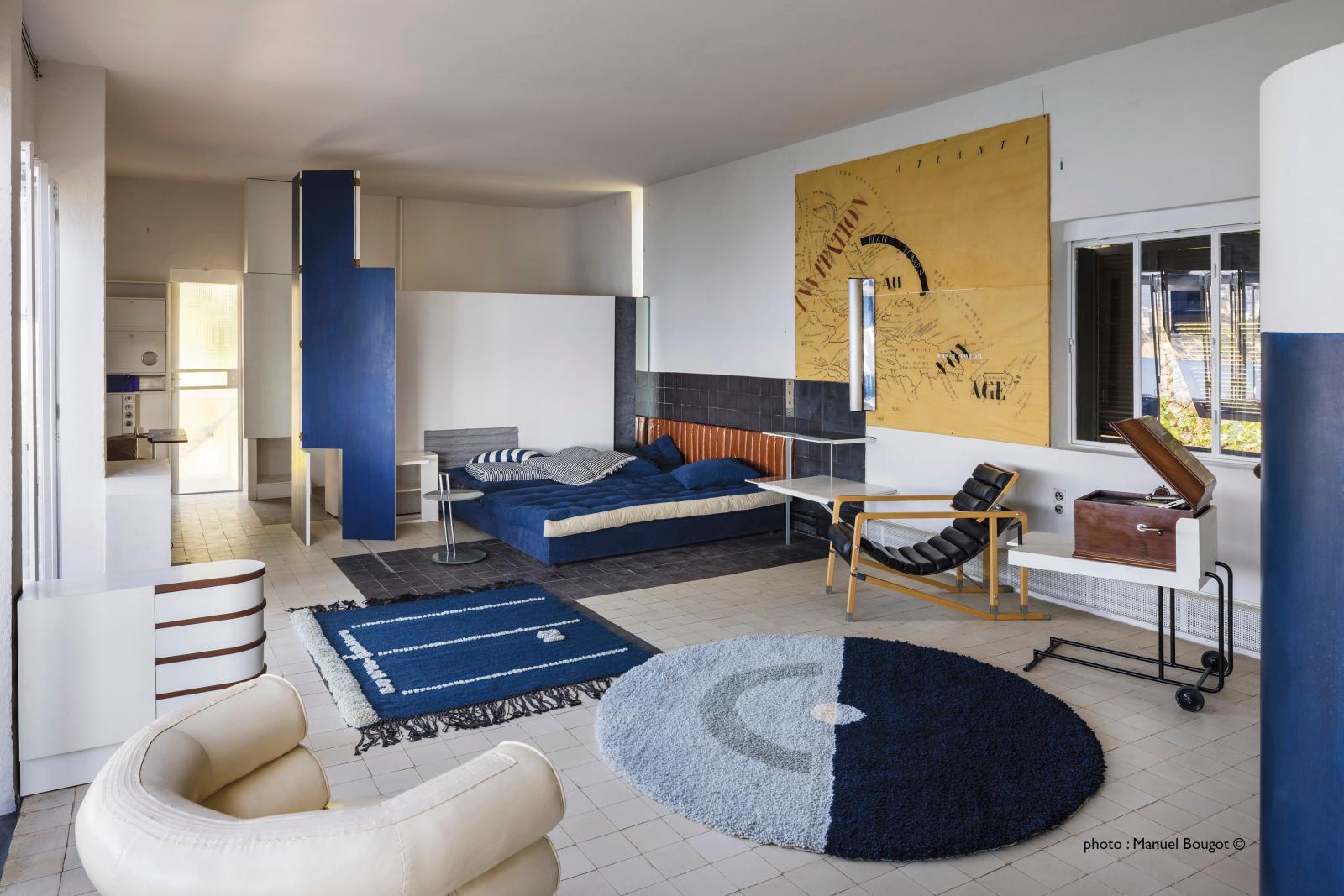 La salle de séjour, avec notamment les fauteuils Bibendum et Transat.© manuel bougot