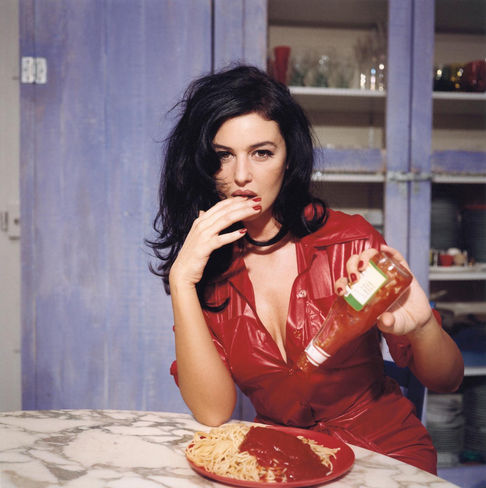 Bettina Rheims, Breakfast with Monica Bellucci, November1995, Paris.©Bettina Rheims