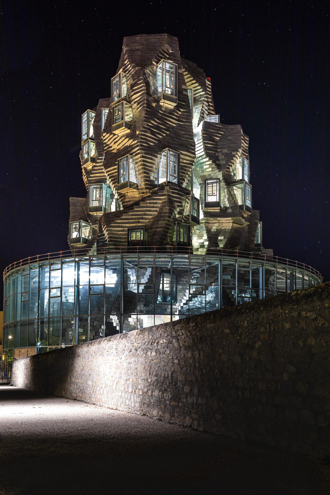 Luma Arles, Parc des Ateliers, Frank Gehry's tower.© Adrian Deweerdt