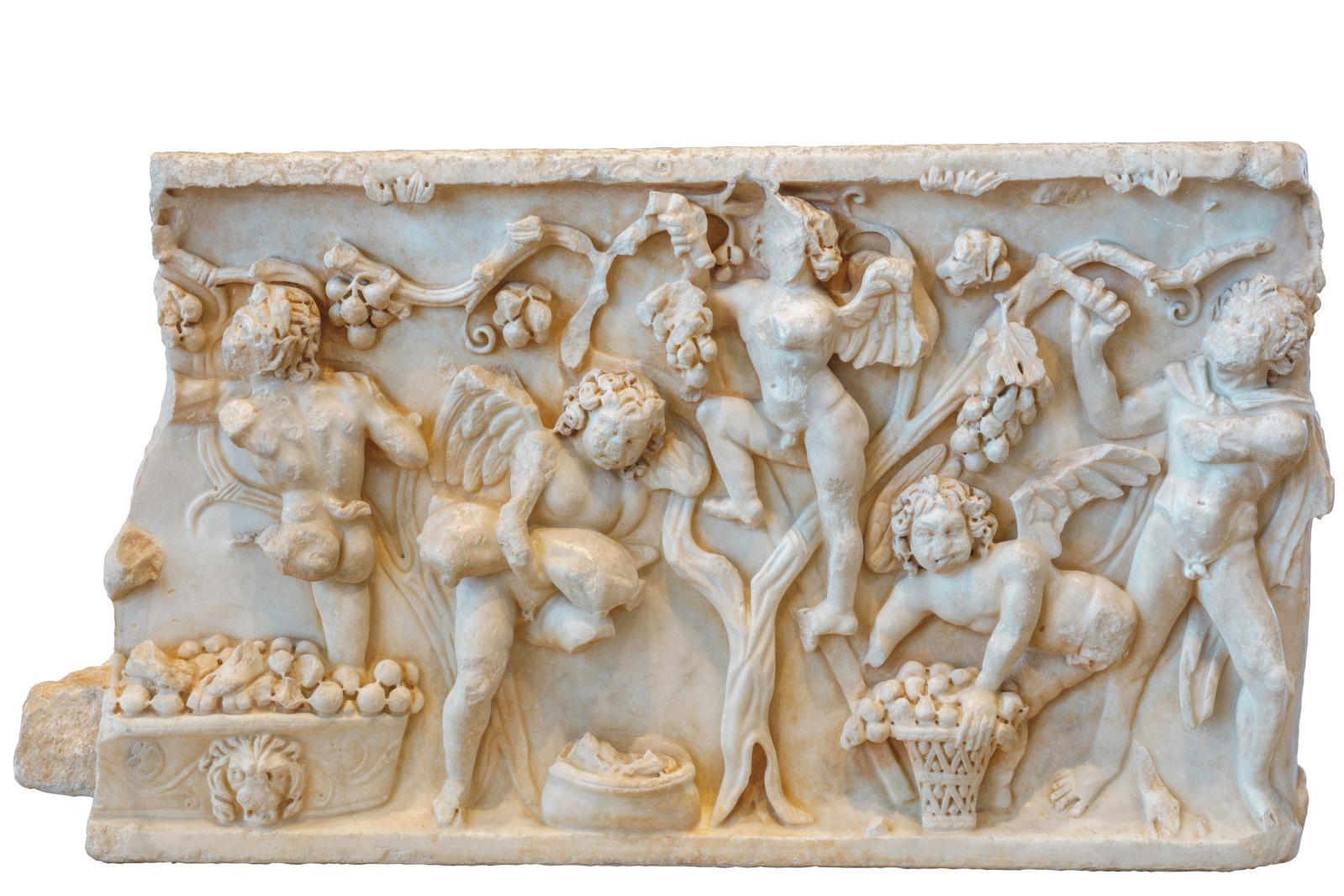 Sarcophage aux Amours vendangeuses, IIe siècle, marbre, Les Amarats, Narbonne.© Arnaud Späni/Narbo Via