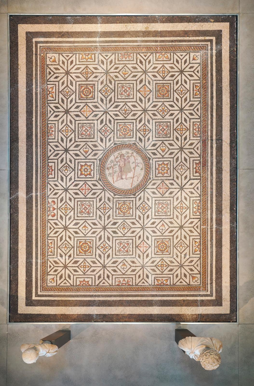 Mosaïque de l'ivresse de Bacchus, fin du IIesiècle ou début du IIIesiècle apr.J.-C., Narbonne. © Arnaud Späni/Narbo Via