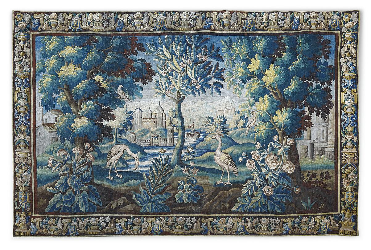 Manufacture royale d'Aubusson, XVIIIesiècle. Tapisserie verdure à décor de deux volatiles devant un étang, d'un arbre exotique et d'un ch