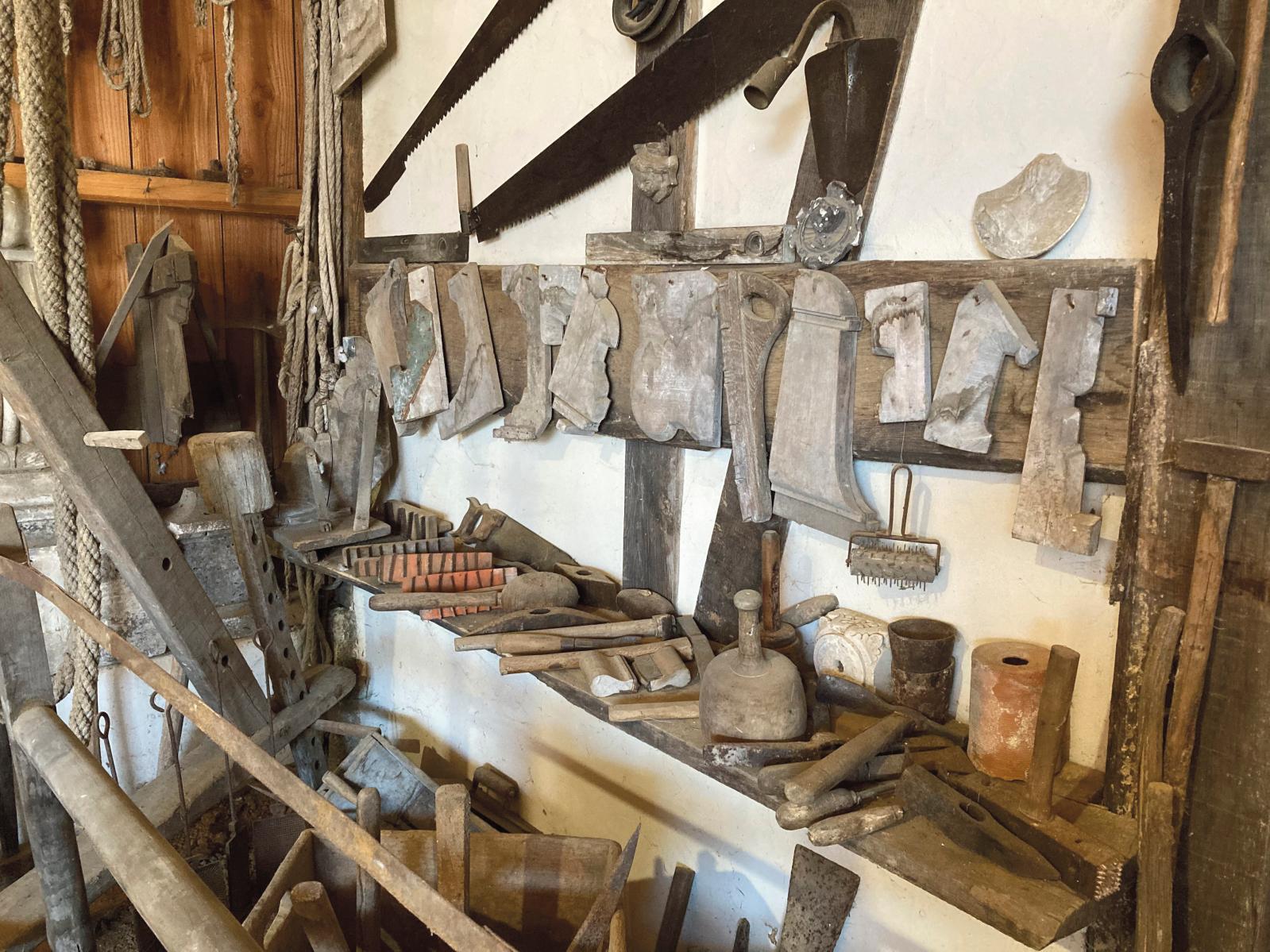 Outils de carrier et de tailleur de pierre.© Anna Aznaour