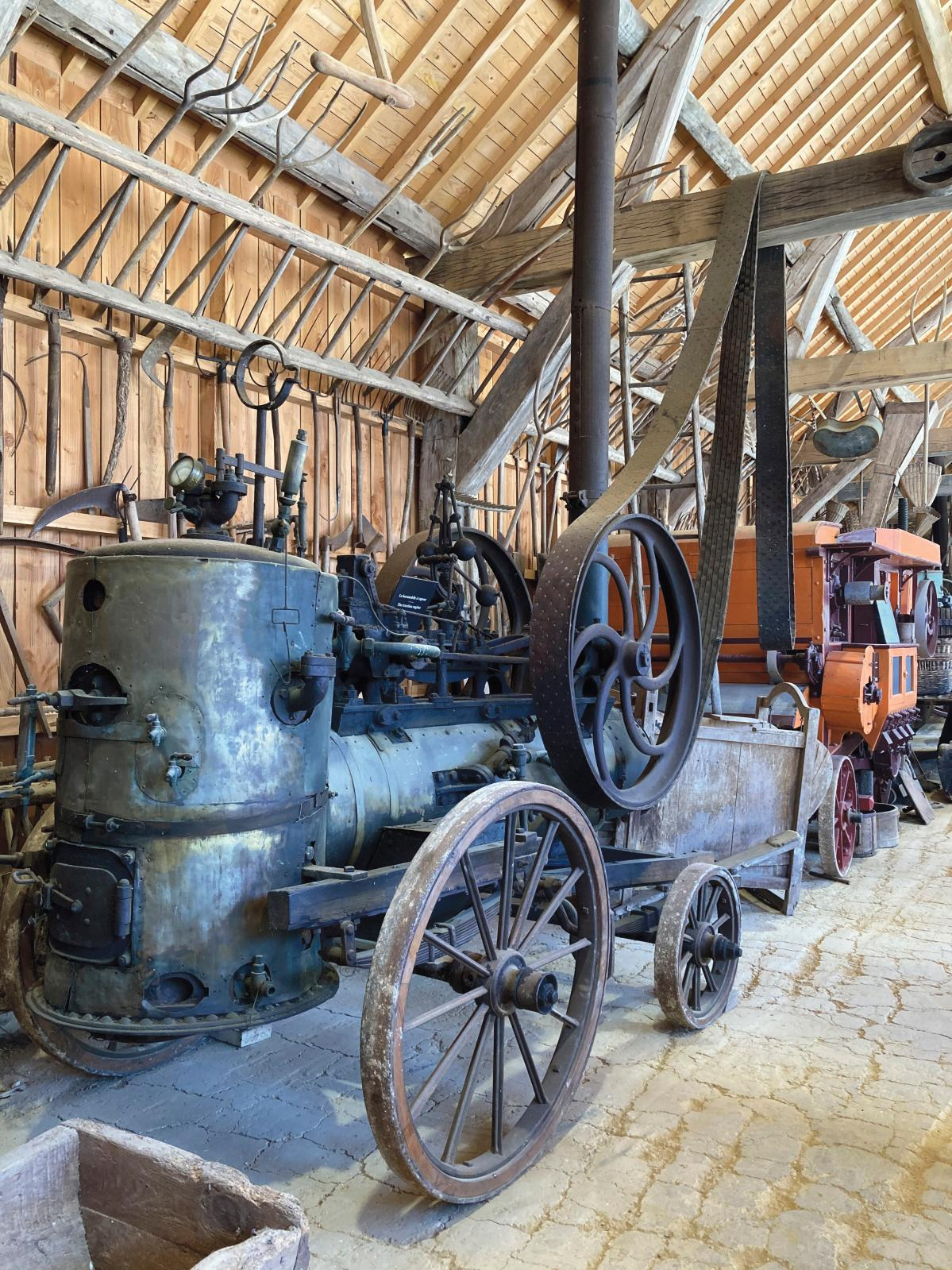 La locomotive à vapeur, dans la section «Machinisme agricole 1850-1950». © Anna Aznaour