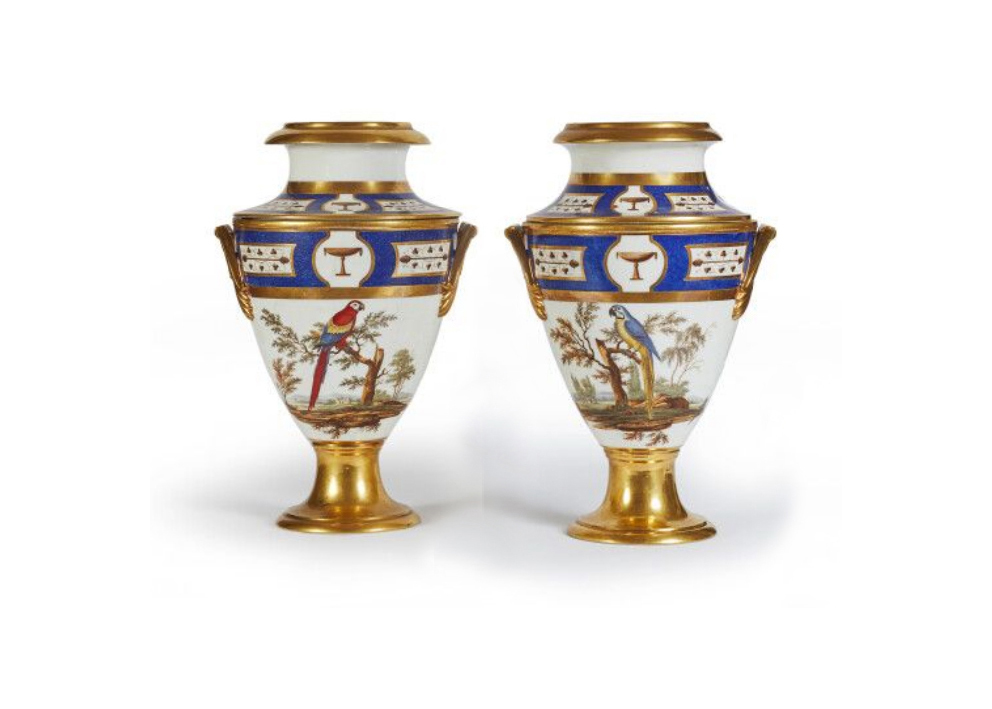 €3,864Paris, Halley porcelain merchant, pair of coolers on pedestals with polychrome decoration of macaws and pheasants, c. 1800-1810, h.