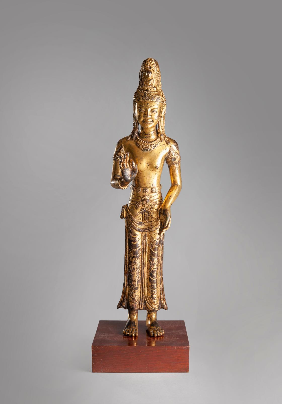 €762,500 Kingdom of Dali, 12th century, rare Acuoye Guanyin statue in gilt bronze, 45.5 x 11 x 6.5 cm.Paris, Drouot, 12 December, Paris Enchères-Colli