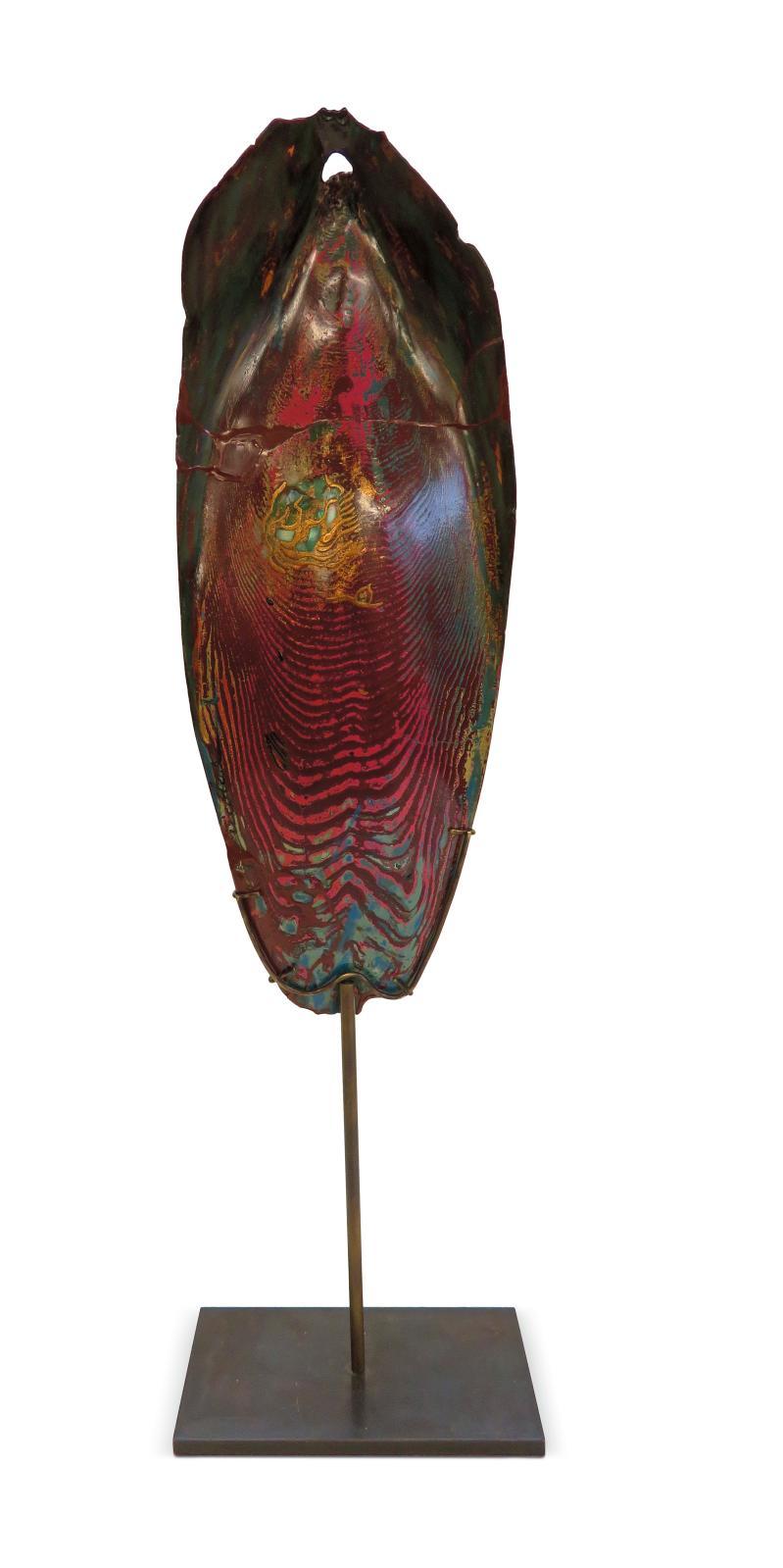 Rêve de mer, urushi sur os de seiche, création faisant partie d'un ensemble de pièces uniques.