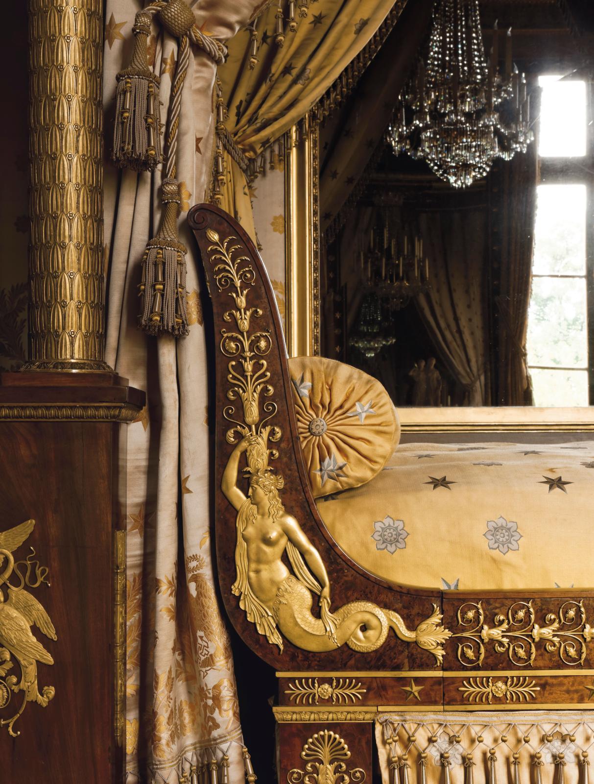 Lit de parade de la chambre à coucher d'apparat, attribué à Jacob-Desmalter (détail).