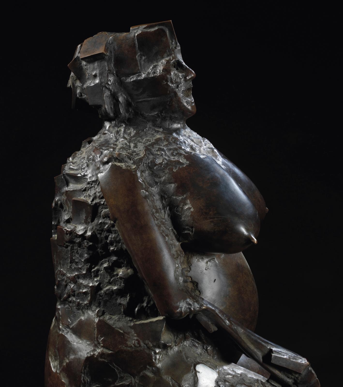 César, Ginette , 1958-1980, bronze à patine noir nuancé, signé et numéroté 3/8, Bocquel fondeur, 130x72x76cm. Paris, Drouot, 21 octobre 2015, Koh