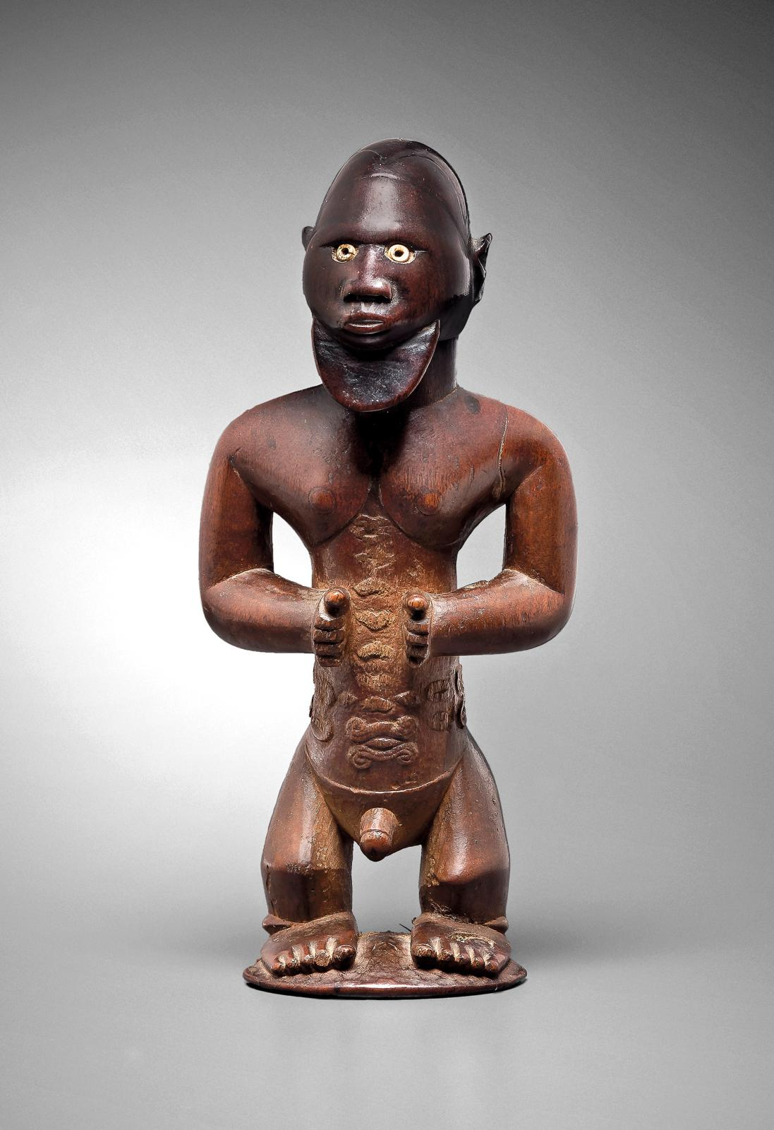 Democratic Republic of the Congo, Bembé sculpture, wood and pearl, h. 1a.5 cm.Estimate: €80,000/120,000.