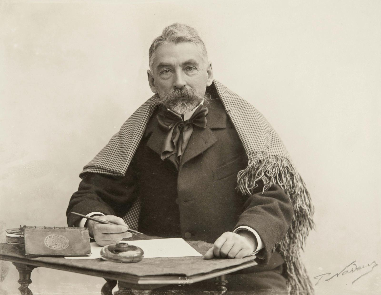 "Paul Nadar (1856-1939), ""Stéphane Mallarmé"", 1897, BnF, Department of Prints and Photography."