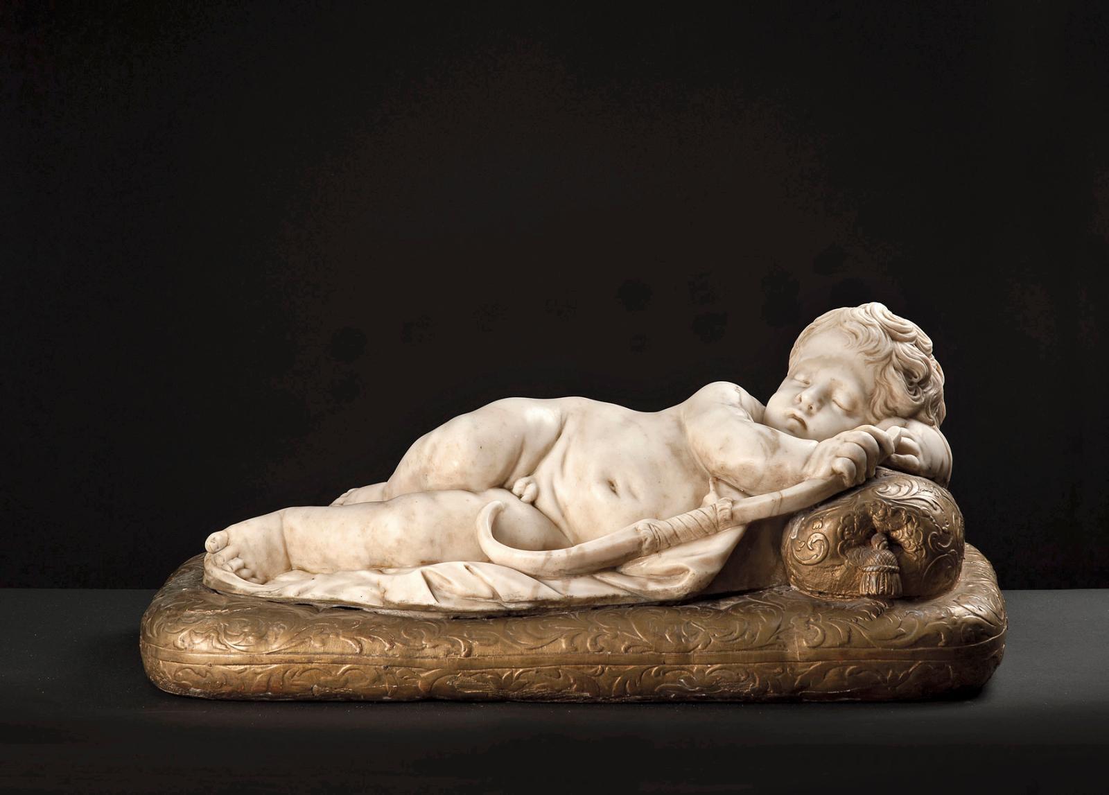 Italie, fin du XVIIe-début du XVIIIe siècle, attribué à Giuseppe Maria Mazza (1653-1741), Amour endormi, marbre sculpté sur une base en bois sculpté e